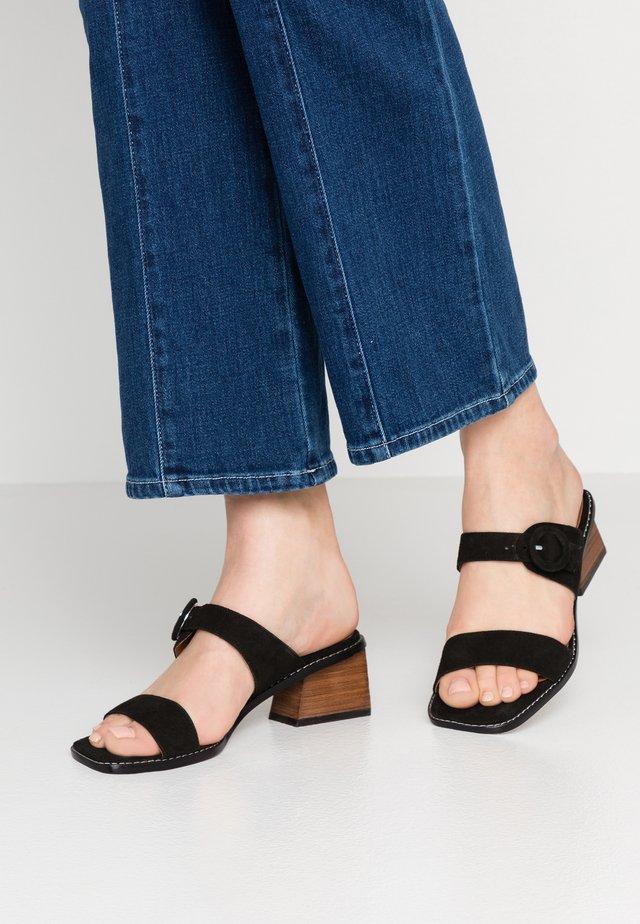 OSANA - Slip-ins med klack - black