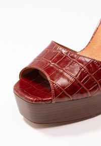 L'INTERVALLE - DISAMA - High heeled sandals - brandy - 2