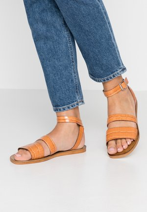 OWL - Sandals - tan