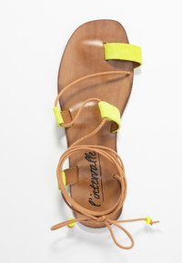 L'INTERVALLE - CUPCAKE - T-bar sandals - yellow - 3