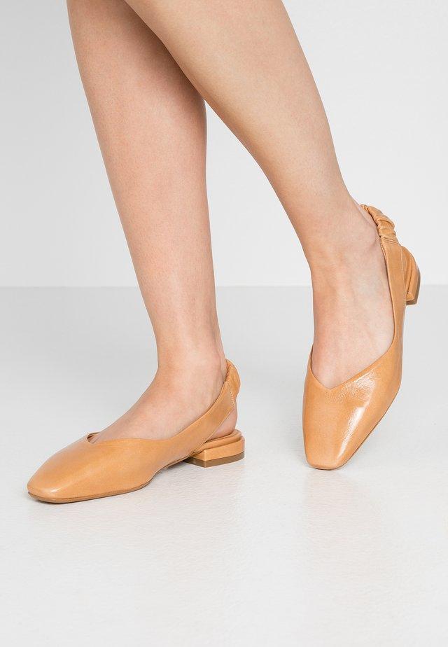 FRANCINE - Slingback ballet pumps - star