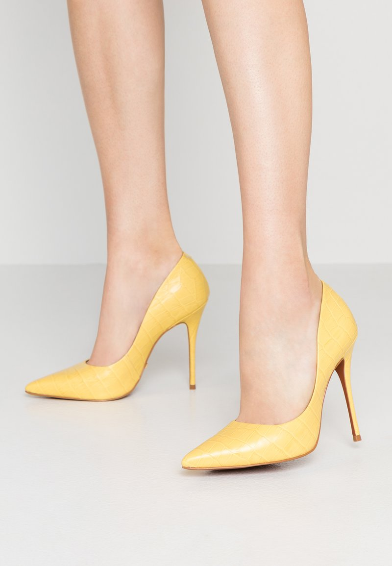 L'INTERVALLE - TEEVA - Hoge hakken - pale yellow