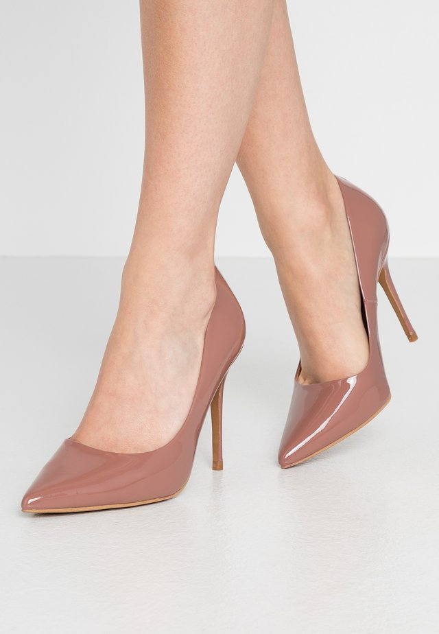 TEEVA - Klassiska pumps - peach
