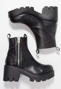 L'INTERVALLE - MATRIX - Cowboy/biker ankle boot - black - 3