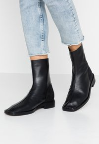 L'INTERVALLE - GOSS - Classic ankle boots - black - 0