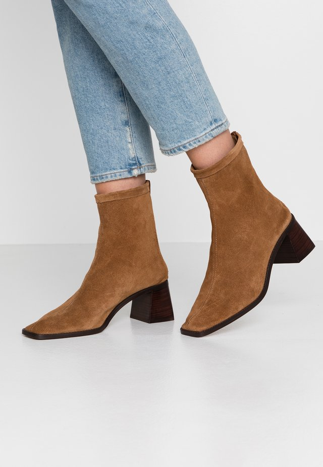 BASIL - Classic ankle boots - acapulco verde