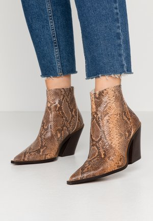 HELENA - High heeled ankle boots - tierra
