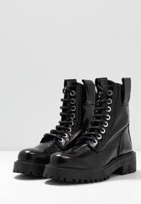 L'INTERVALLE - JARNA - Lace-up ankle boots - black - 4