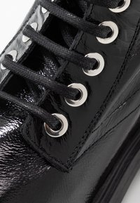 L'INTERVALLE - JARNA - Lace-up ankle boots - black - 2