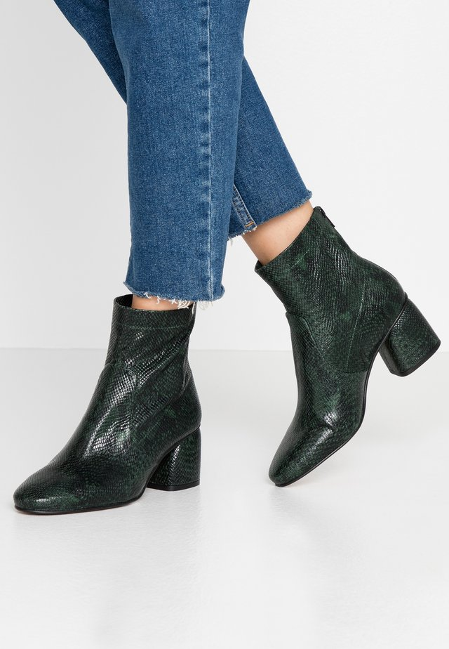 DABIA - Classic ankle boots - root fern green