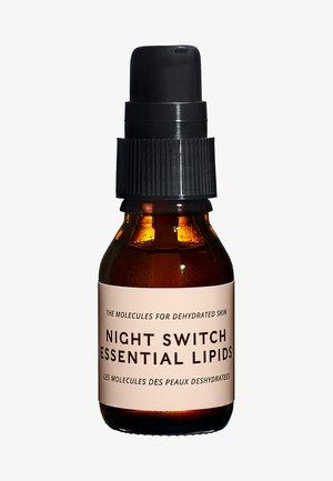 NIGHT SWITCH ESSENTIAL LIPIDS - Nachtpflege - -