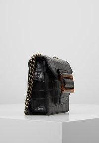 LIARS & LOVERS - SHOULDER BAG - Umhängetasche - black - 2