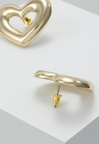 LIARS & LOVERS - OPEN HEART POWER STUDS - Pendientes - gold-coloured - 2