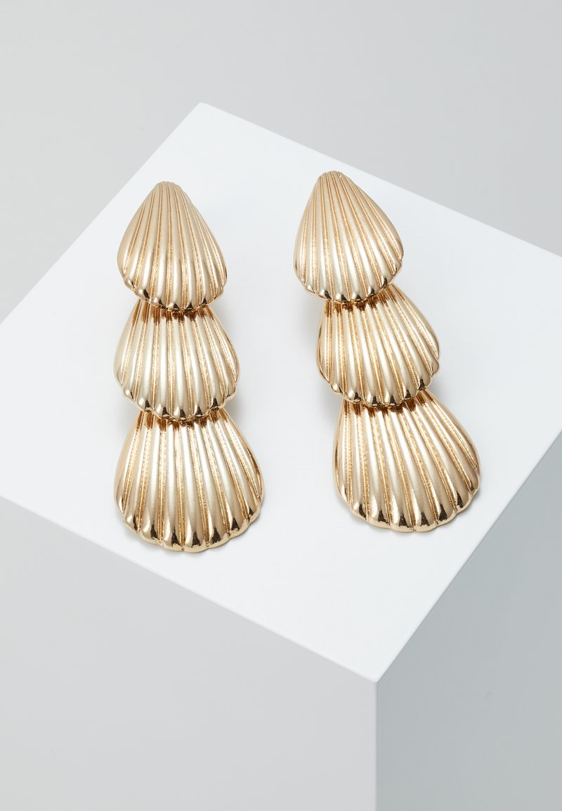 LIARS & LOVERS - LAYER SHELL DROP - Earrings - gold-coloured