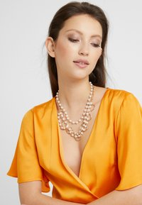 LIARS & LOVERS - CLUSTER - Necklace - gold-coloured - 1