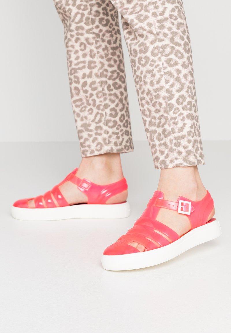 LEMON JELLY - CRYSTAL - Sandaler - neon pink
