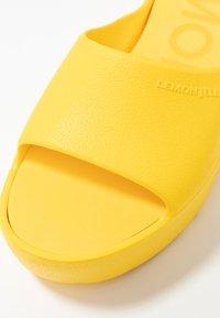 LEMON JELLY - SUNNY - Korolliset pistokkaat - vibrant yellow - 2