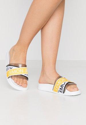 MAISIE - Pantofle - white