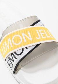 LEMON JELLY - MAISIE - Pantofle - white - 2