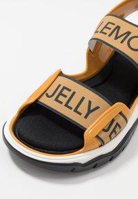 LEMON JELLY - BECKY - Trekkingsandaler - mustard - 2