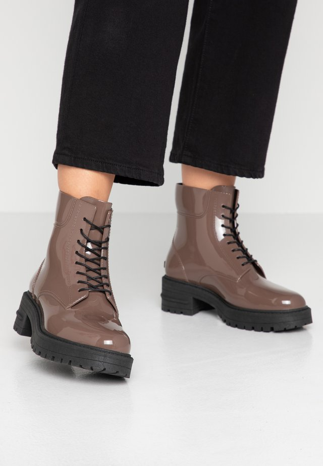 CAILYN - Wellies - puce
