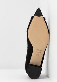 LK Bennett - DESA - Classic heels - black - 6