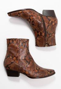 LK Bennett - CHORAL - Ankle boots - mustard - 3