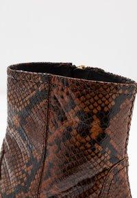LK Bennett - CHORAL - Ankle boots - mustard - 2