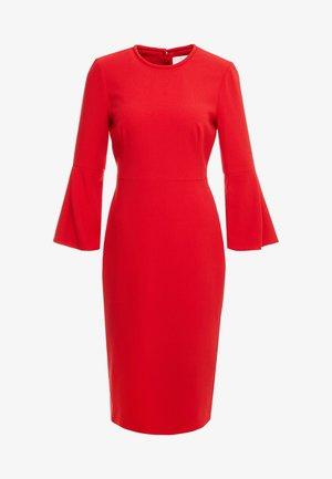DORIS - Sukienka etui - pompeian red