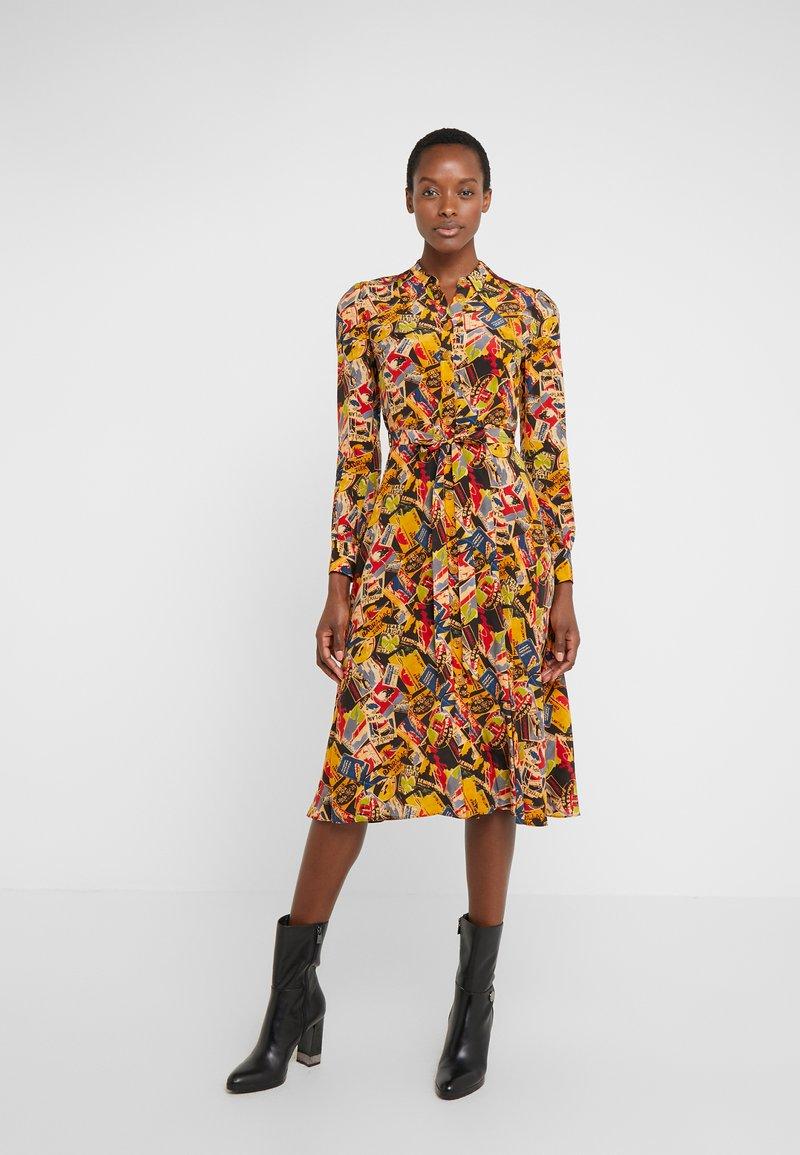 LK Bennett - Skjortklänning - figursydd /insvängd