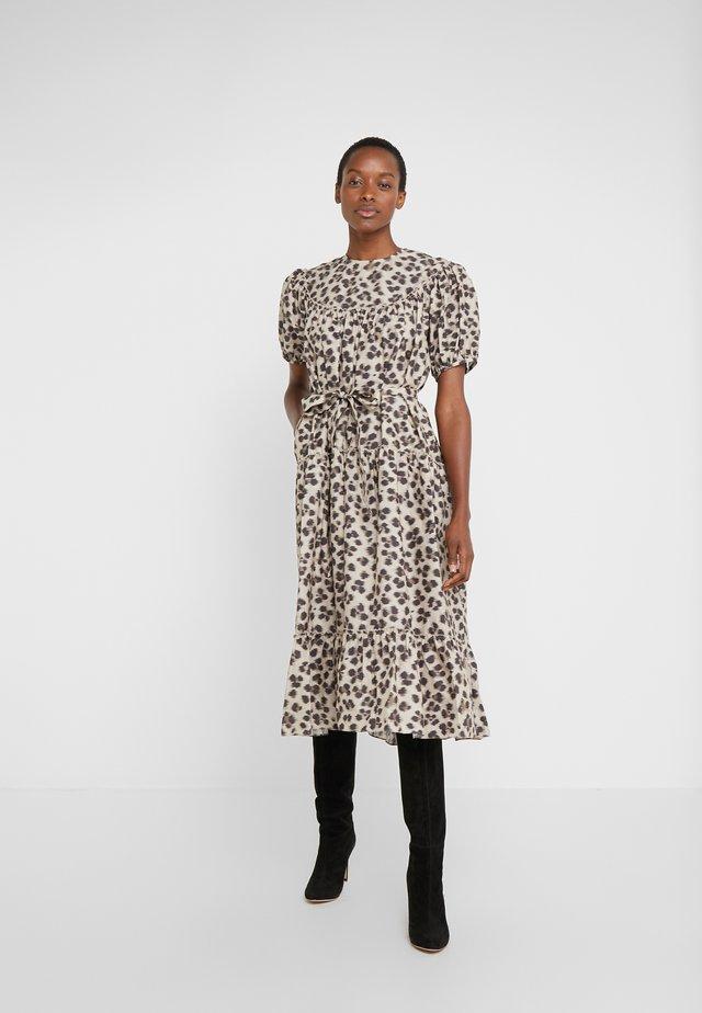 REGO - Robe d'été - leopard