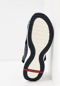 Lloyd - ELAY - Chodecké sandály - marine blue - 4