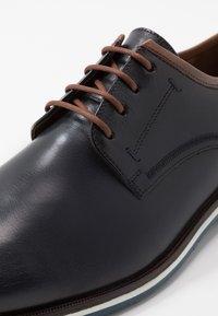 Lloyd - DETROIT - Sznurowane obuwie sportowe - ocean - 5