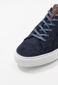 Lloyd - AJAN - Sneakersy niskie - ocean/cigar - 5