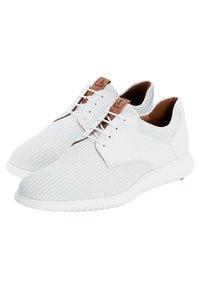 Lloyd - AQUILA - Sneakers basse - white - 2
