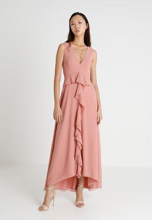 Společenské šaty - apricot