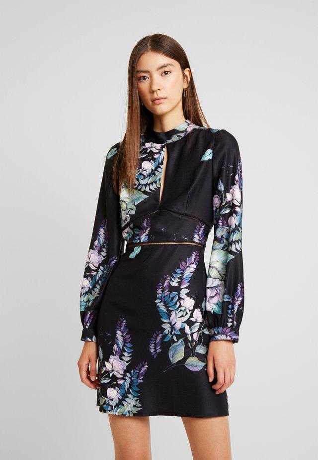 ROXBY FLORAL LONGSLEEVE MINI SHIFT DRESS - Robe de soirée - multi