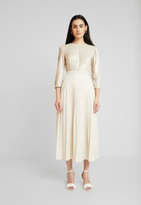 Little Mistress - SEQUIN PLEATED HEM - Juhlamekko - cream - 0