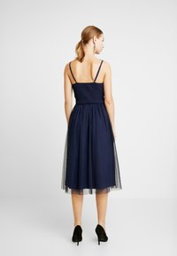 Little Mistress - A ROSETTE MIDI PROM DRESS WITH FLORAL AND FAU - Cocktailjurk - navy - 3