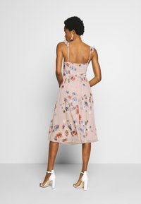 Little Mistress - MIDI PRINT - Cocktailjurk - multi