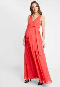 Little Mistress - EXCLUSIVE V NECK MATERNITY MAXI DRESS - Vestido de fiesta - coral - 1