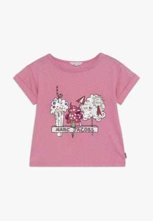 T-shirts print - pink