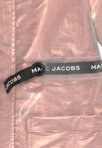 Little Marc Jacobs - RAIN COAT - Impermeable - pink copper - 3