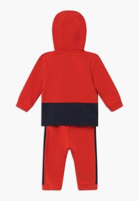 Little Marc Jacobs - BABY - Trainingsanzug - red/blue navy - 1