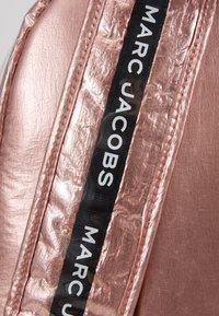 Little Marc Jacobs - Reppu - pink copper - 2