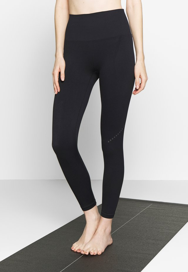 BLACKOUT LEGGING - Leggings - black