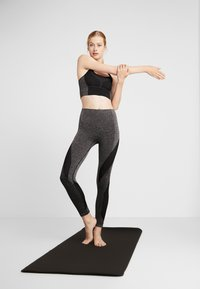 LNDR - LAUNCH LEGGING - Punčochy - dark grey marl - 1