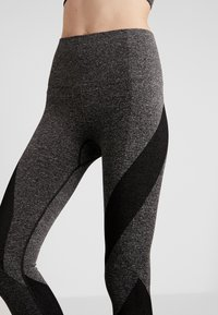 LNDR - LAUNCH LEGGING - Punčochy - dark grey marl - 5