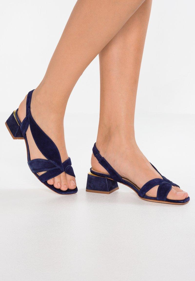 Lola Cruz - Sandals - marino