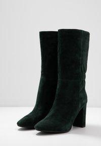 Lola Cruz - Vysoká obuv - verde - 4